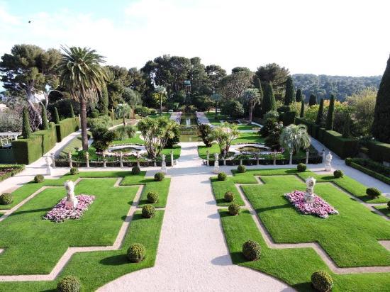 Jardin fran ais vu depuis la terrasse du premier tage Le jardin francais