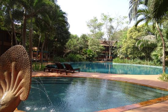 Angkor Village Resort: Pool