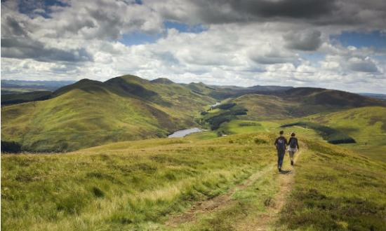 Crosswoodhill Farm Holiday Cottages Near Edinburgh: Local walk with guests