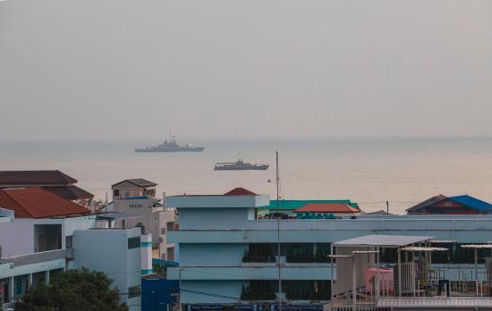 بان مانثانا هوتل: View from the balcony.