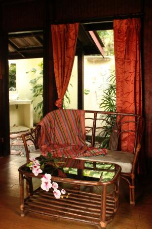 Tropical Garden Lounge Hotel: Tropical bungalow
