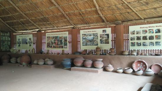 Arna Jharna: The Thar Desert Museum of Rajasthan: Live Pottery Exhibition