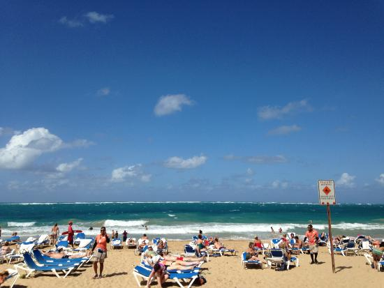 San Juan Marriott Resort & Stellaris Casino: beach