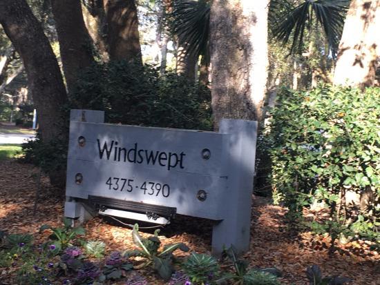 Kiawah Island Golf Resort : East Village - Windswept Neighborhood - Great location to the beach, hotel and town market