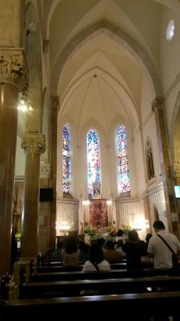 St. Anthony's Catholic Church : interior