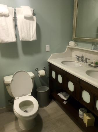 bathroom picture of disney s beach club resort orlando tripadvisor rh tripadvisor com