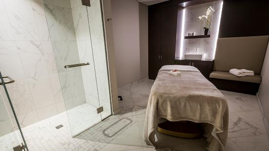 Montreal, Canada: Body Treatment Room with Shower
