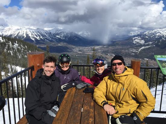 Fernie Alpine Resort: Lunch at Lost Boys