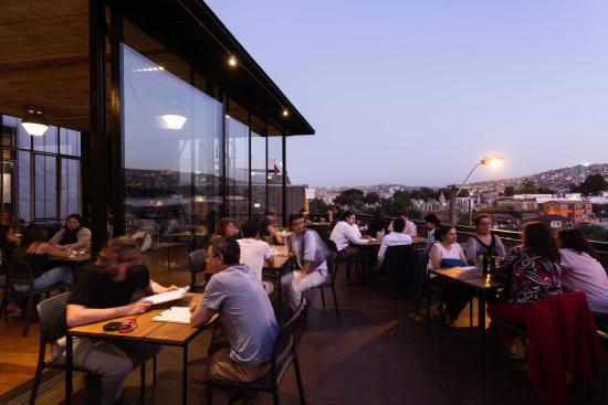 Terraza Nocturna Restaurante Bar El Internado En Cerro