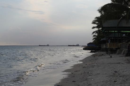 Monpera Beach