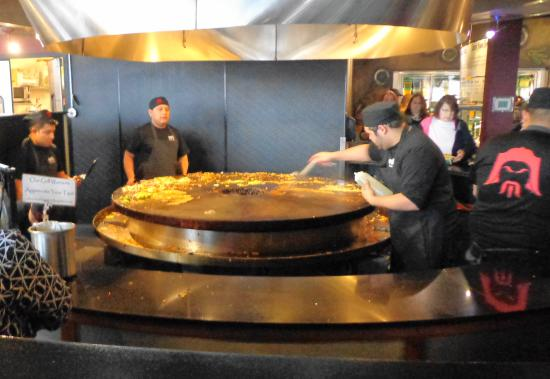 HuHot Mongolian Grill: The 'Grill warriors' when not busy.