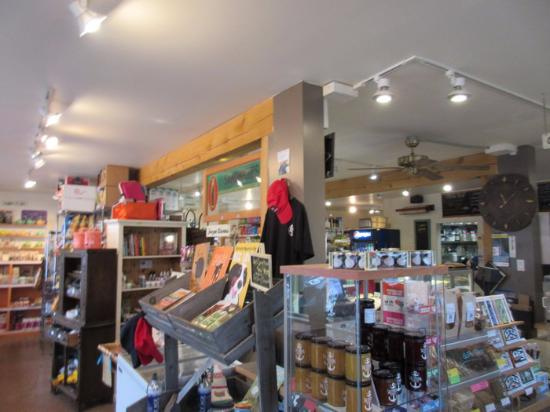 Fulford Harbour, Canadá: Inside Store