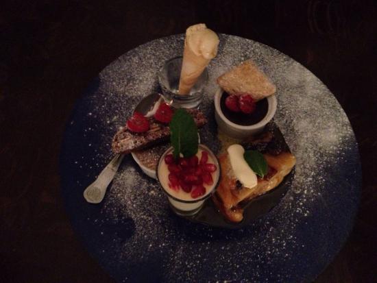 Blue Plate Restaurant Bar Cafe Deli: Amazing grub