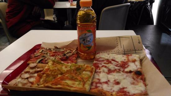 Pizzeria Corrado: 1 pezzo peperoni