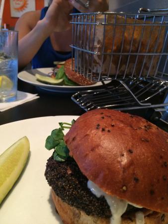 Blanc Burgers + Bottles
