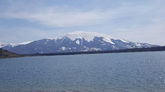 Lago Di Campotosto - カンポト...