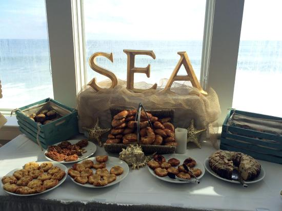 Seaglass Oceanfront Restaurant & Lounge : bakery station