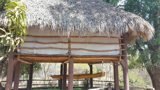 Atlakamani Surfing Resort: Massage Palapa