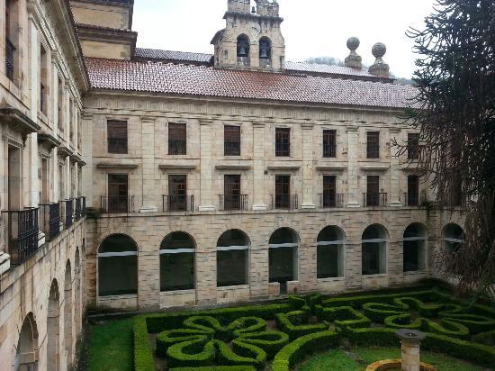 Cangas del Narcea, إسبانيا: Monasterio de Corias