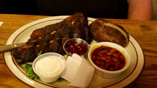 Rufus, OR: Their baked beans are to die for! Ribs fall off the bone and prime rib was cooked perfectly!