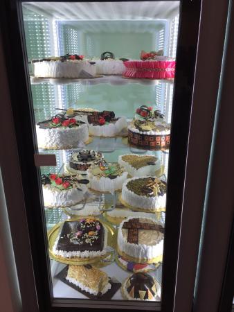 L'Angolo Del Gelato: Art of making ice cream masterpieces!!!