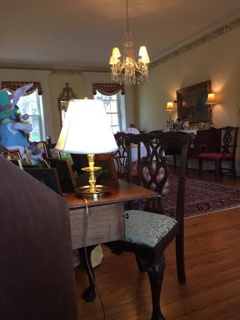 Washington, VA: Lovely historic inn with friendly service and excellent breakfast.