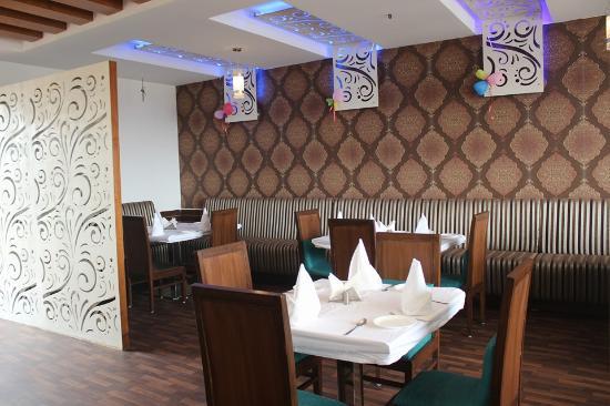 Al - Lazeez Restaurant