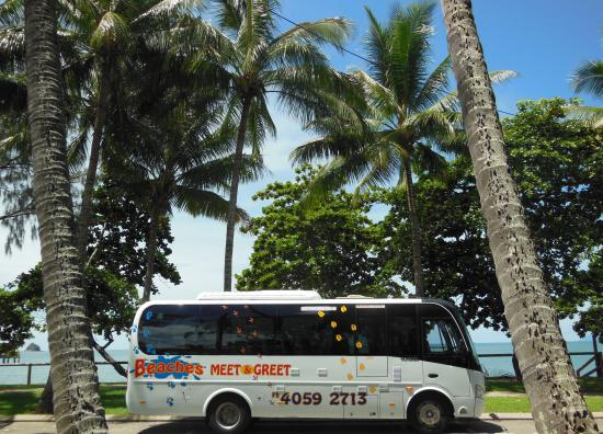 Palm Cove, Australia: Beaches Meet and Greet Bus