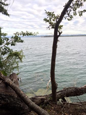 Nitun Private Reserve: Lake view