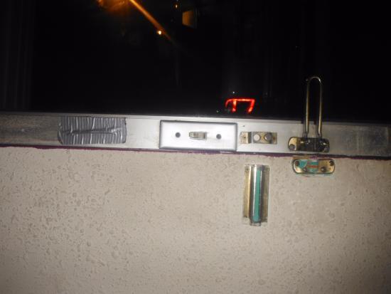 Guest Inn - Dalton: more duct tape and 2 broken locks