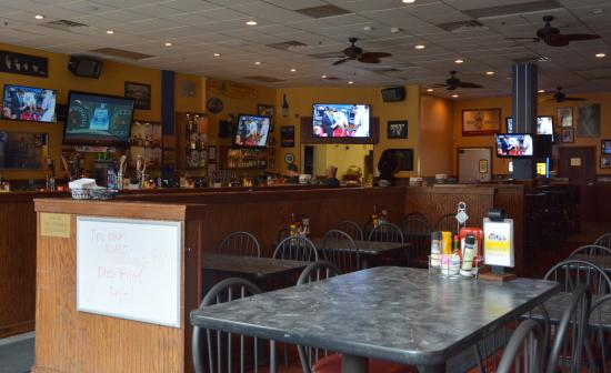 Adelphia Sports Bar & Grille: Inside Bar/Dining Area - Count the TV'x