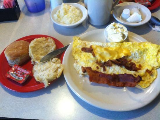 Staunton, VA: Bacon & Cheese Omelet