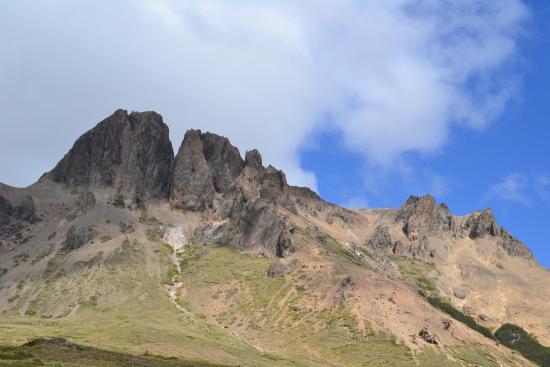 Cerros Negro & Monje Trail: Vista de aproximación
