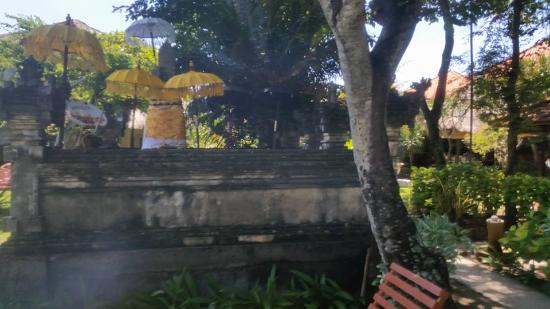 "Sari Beach Hotel: ""Temple"" in middle of gardens"