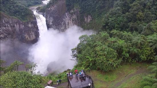 San Rafael Waterfall: foto tomada con drone.