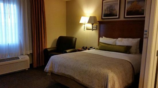 Candlewood Suites Yuma: 20160326_184356_large.jpg