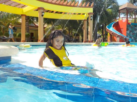 San Remigio, Filippinerne: little kid area