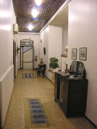 Gythion Hotel: main entrance