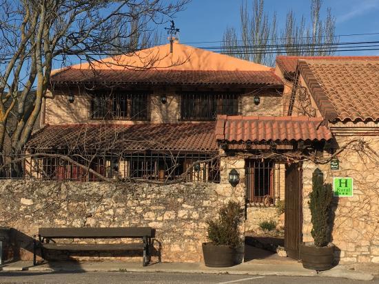 Hotel rural la caba a palazuelos espa a opiniones - Cabanas cerca de madrid ...