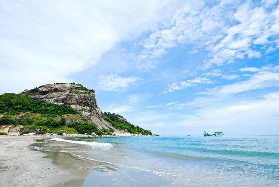 The Bihai Hua Hin: Takieb Beach
