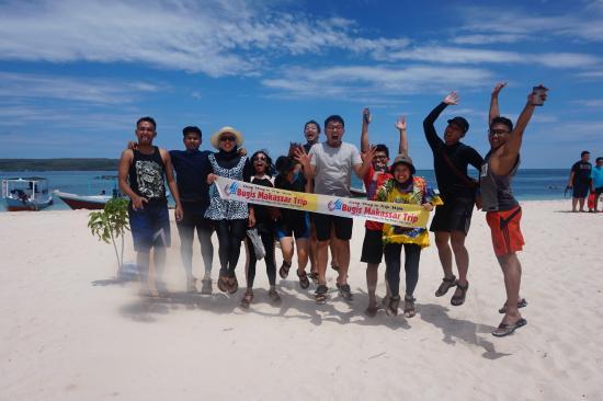 Travel lifes beach tanjung bira