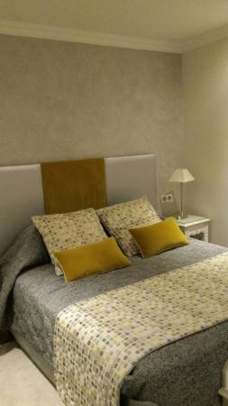grand hotel des terreaux une belle chambre moderne dans un quartier trs agrable - Belle Chambre Moderne