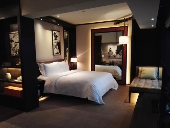 bedroom picture of rosewood beijing beijing tripadvisor rh tripadvisor com