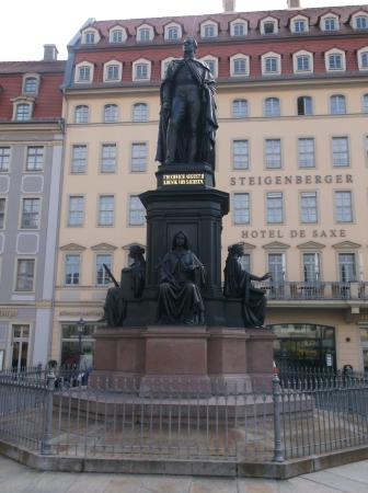 ‪Friedrich August II Monument‬
