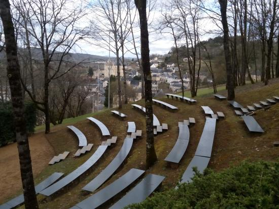Le th tre de verdure photo de les jardins de l 39 imaginaire terrasson lavilledieu tripadvisor - Les jardins de l imaginaire a terrasson ...