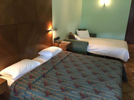 Avaris hotel