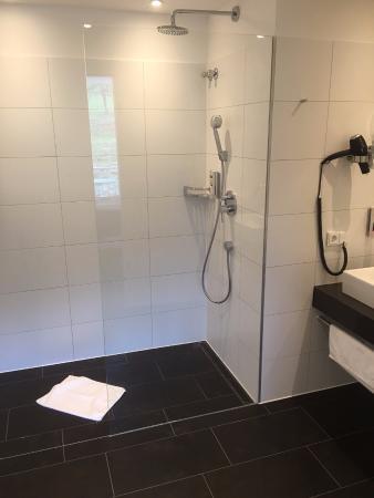 Badezimmer (ohne Fußbodenheizung) - Bild von Heitlinger Hof ...