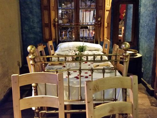 Angolo Del Letto : Questo angolo del ristorante è la camera da letto picture of como