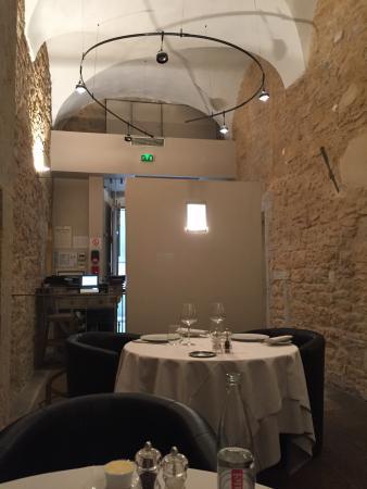 vieilles pierres et modernisme - Picture of La Remanence, Lyon ...