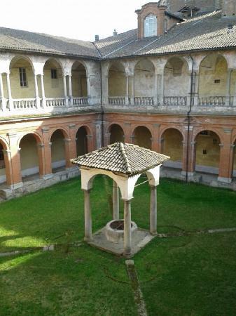 Bosco Marengo, Italia: Chiostro del Complesso di Santa Croce